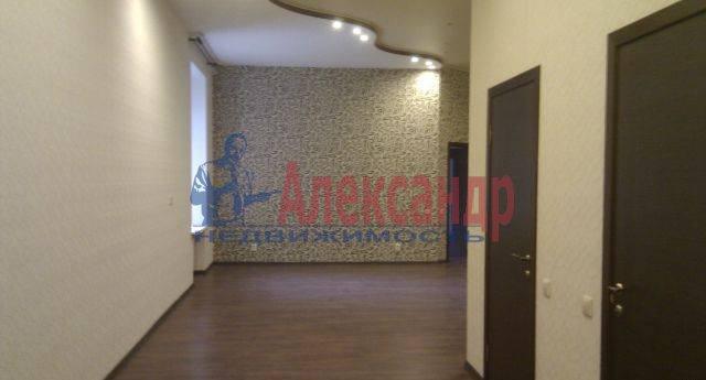 2-комнатная квартира (125м2) в аренду по адресу Рубинштейна ул., 15/17— фото 1 из 5