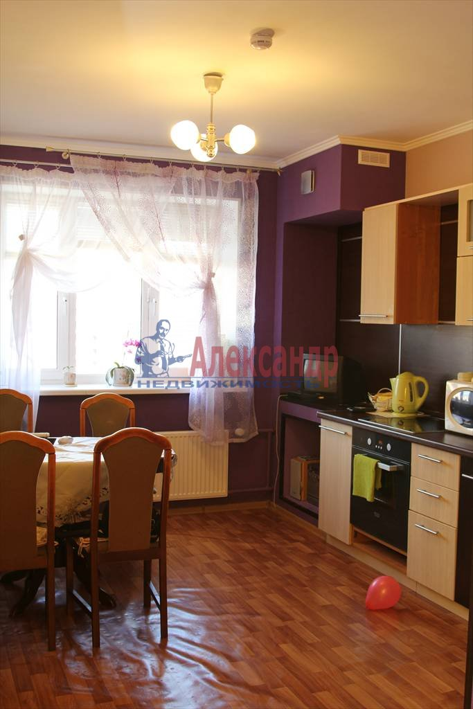 3-комнатная квартира (83м2) в аренду по адресу Тореза пр., 43— фото 1 из 17