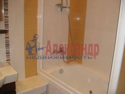 2-комнатная квартира (60м2) в аренду по адресу Пулковская ул., 8— фото 4 из 5