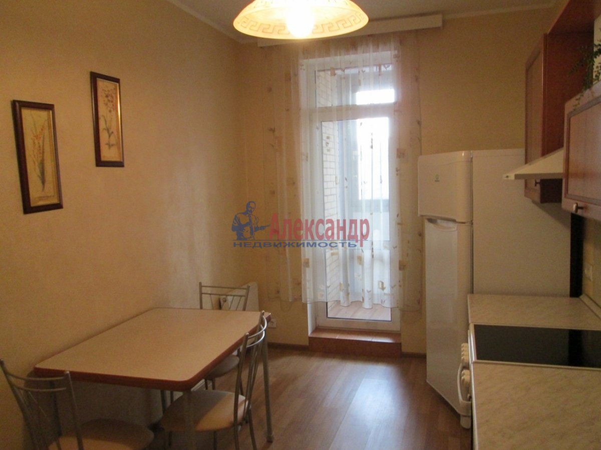 2-комнатная квартира (62м2) в аренду по адресу Российский пр., 4— фото 3 из 4