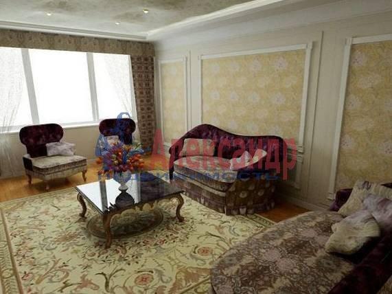 3-комнатная квартира (90м2) в аренду по адресу Невский пр., 98— фото 1 из 4