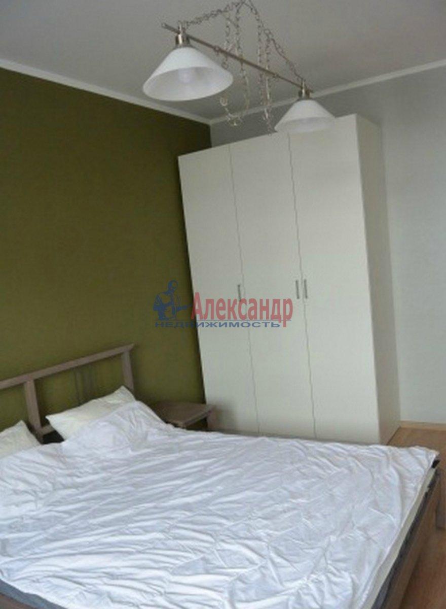 2-комнатная квартира (60м2) в аренду по адресу Адмирала Черокова ул., 18— фото 2 из 3