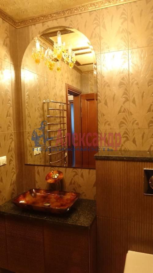 2-комнатная квартира (80м2) в аренду по адресу Реки Мойки наб., 16— фото 3 из 6