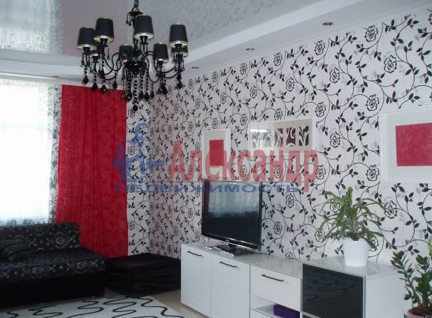 2-комнатная квартира (78м2) в аренду по адресу Морская наб., 37— фото 1 из 5