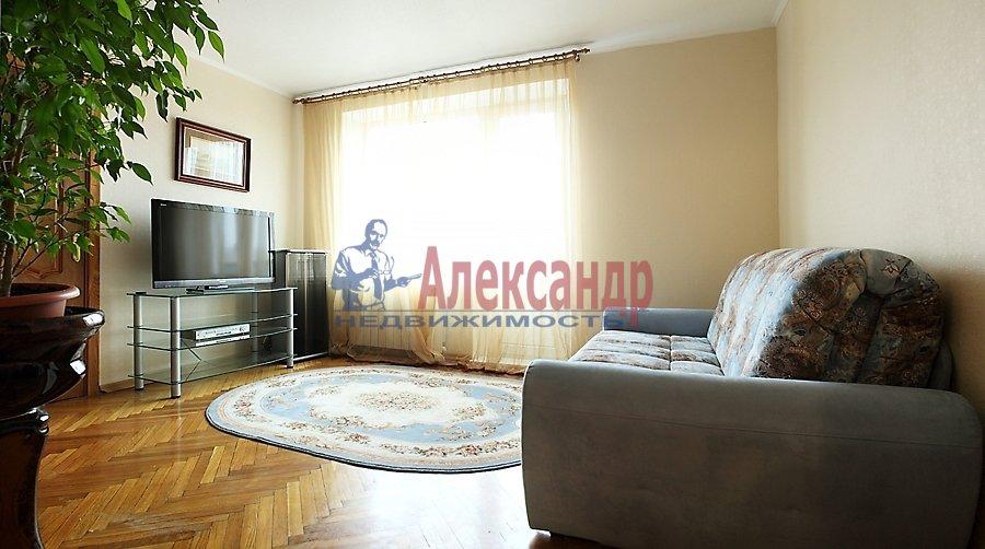 2-комнатная квартира (67м2) в аренду по адресу Мира ул., 24— фото 1 из 8