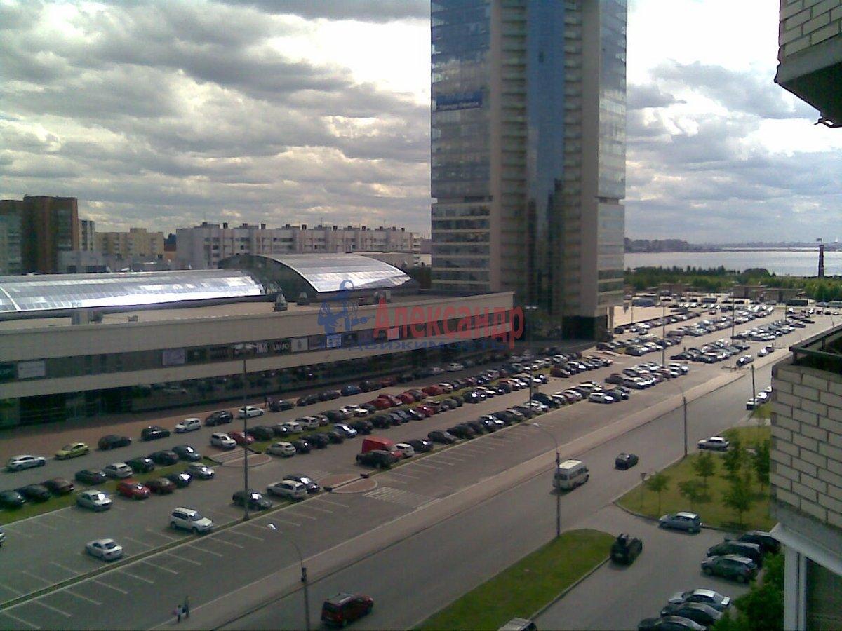 1-комнатная квартира (42м2) в аренду по адресу Савушкина ул., 128— фото 2 из 4