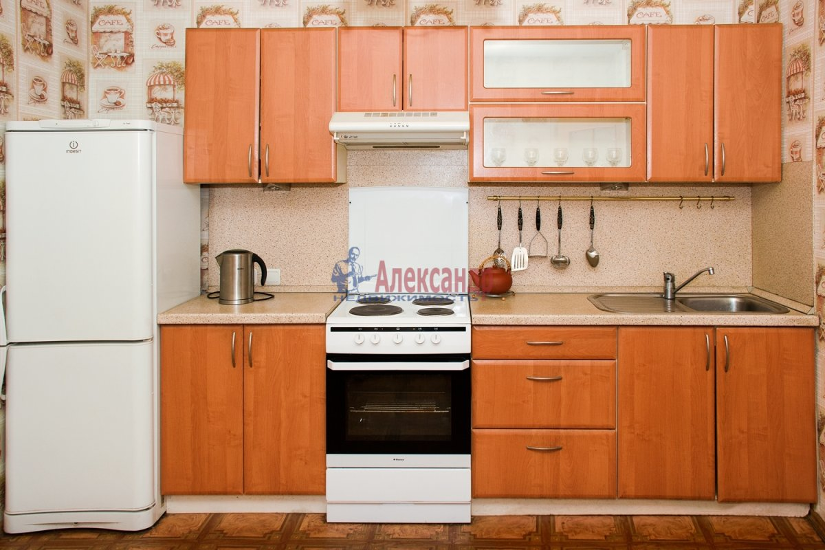 2-комнатная квартира (57м2) в аренду по адресу Ленинский пр., 92— фото 1 из 5