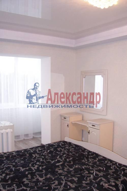 2-комнатная квартира (60м2) в аренду по адресу Комендантский пр., 51— фото 4 из 6