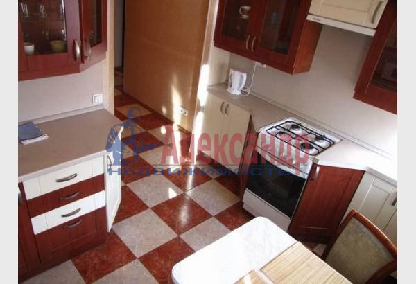 1-комнатная квартира (40м2) в аренду по адресу Маяковского ул., 30— фото 4 из 8