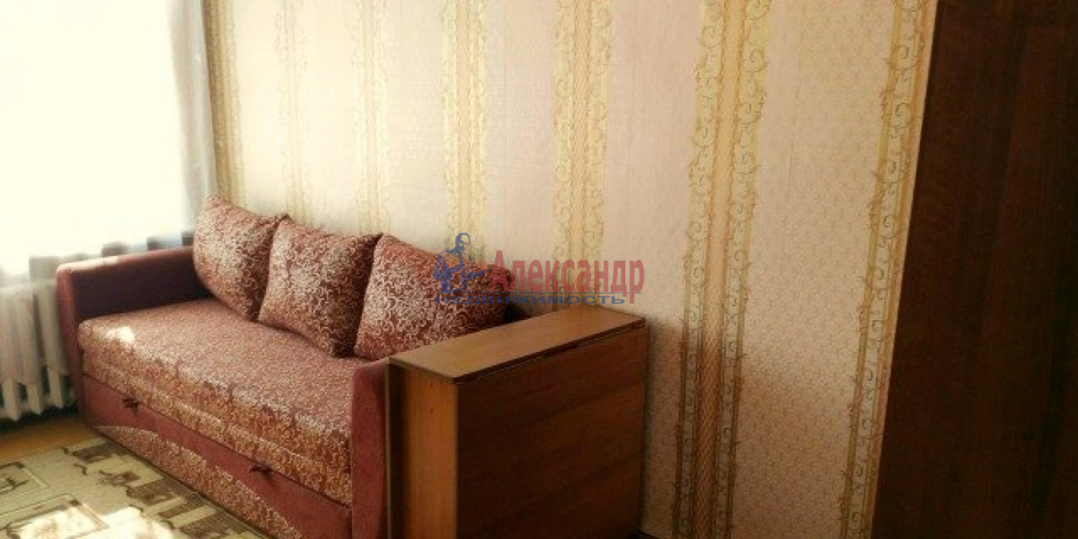 Комната в 4-комнатной квартире (96м2) в аренду по адресу 9 линия В.О., 48— фото 3 из 4