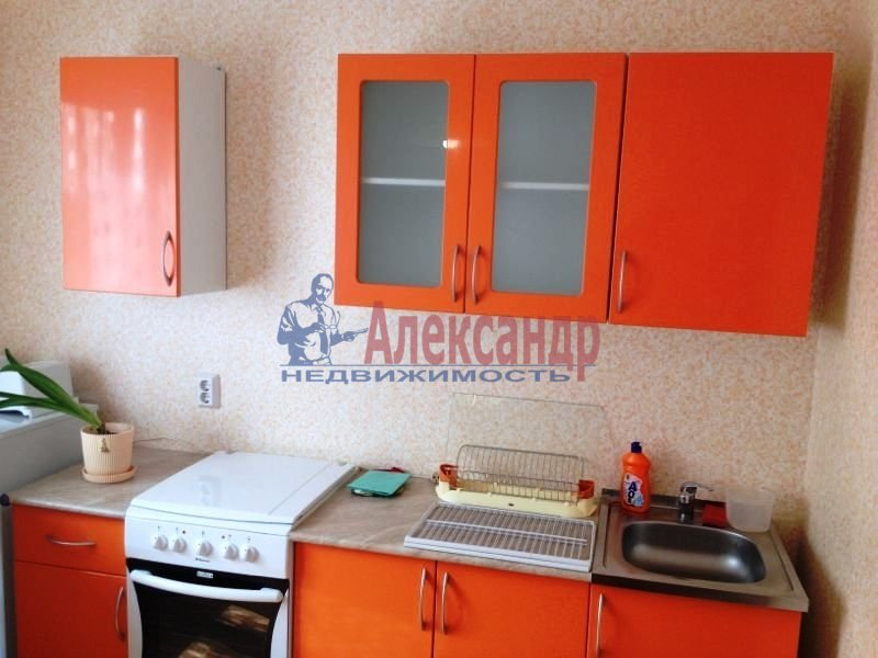 1-комнатная квартира (38м2) в аренду по адресу Юрия Гагарина просп., 14— фото 2 из 10