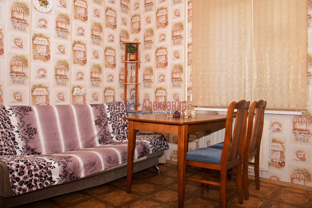 2-комнатная квартира (57м2) в аренду по адресу Ленинский пр., 92— фото 2 из 5