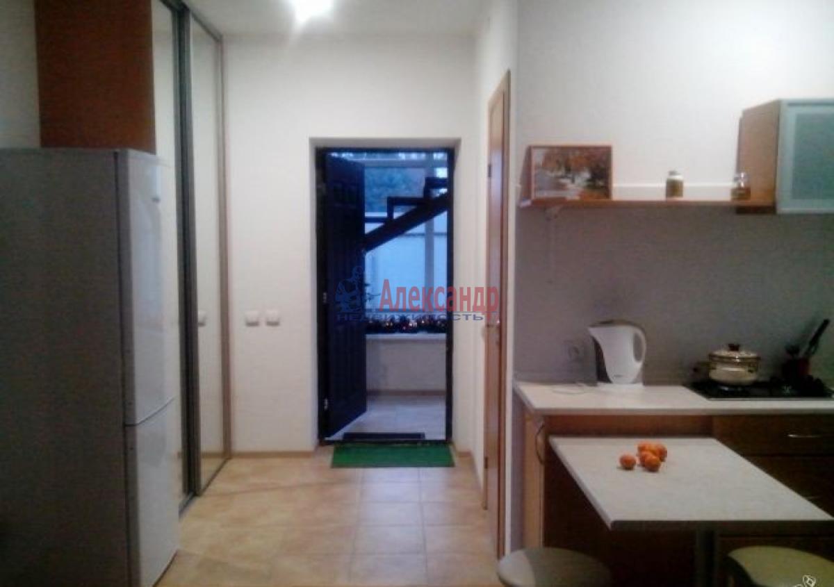 1-комнатная квартира (30м2) в аренду по адресу Подводника Кузьмина ул., 50— фото 2 из 4