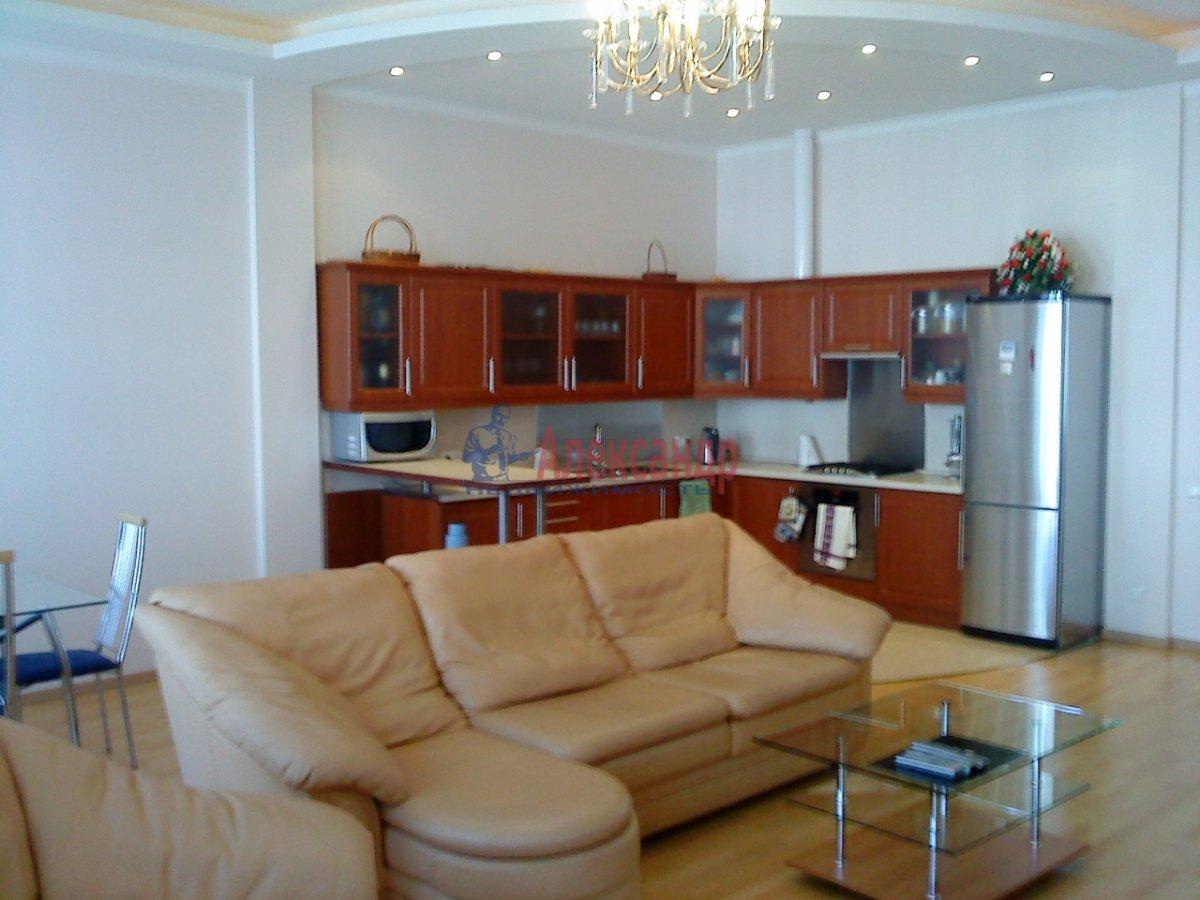 2-комнатная квартира (104м2) в аренду по адресу Реки Мойки наб., 71— фото 1 из 7