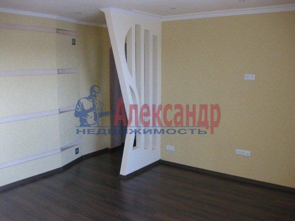 1-комнатная квартира (38м2) в аренду по адресу Уточкина ул., 5— фото 2 из 3