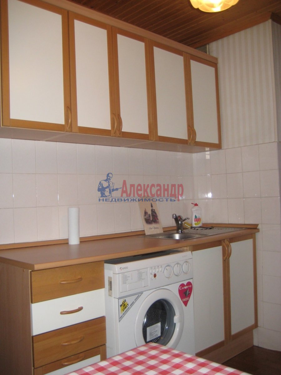 1-комнатная квартира (37м2) в аренду по адресу Поликарпова аллея, 3— фото 1 из 6