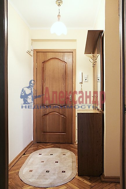 2-комнатная квартира (67м2) в аренду по адресу Мира ул., 24— фото 5 из 8