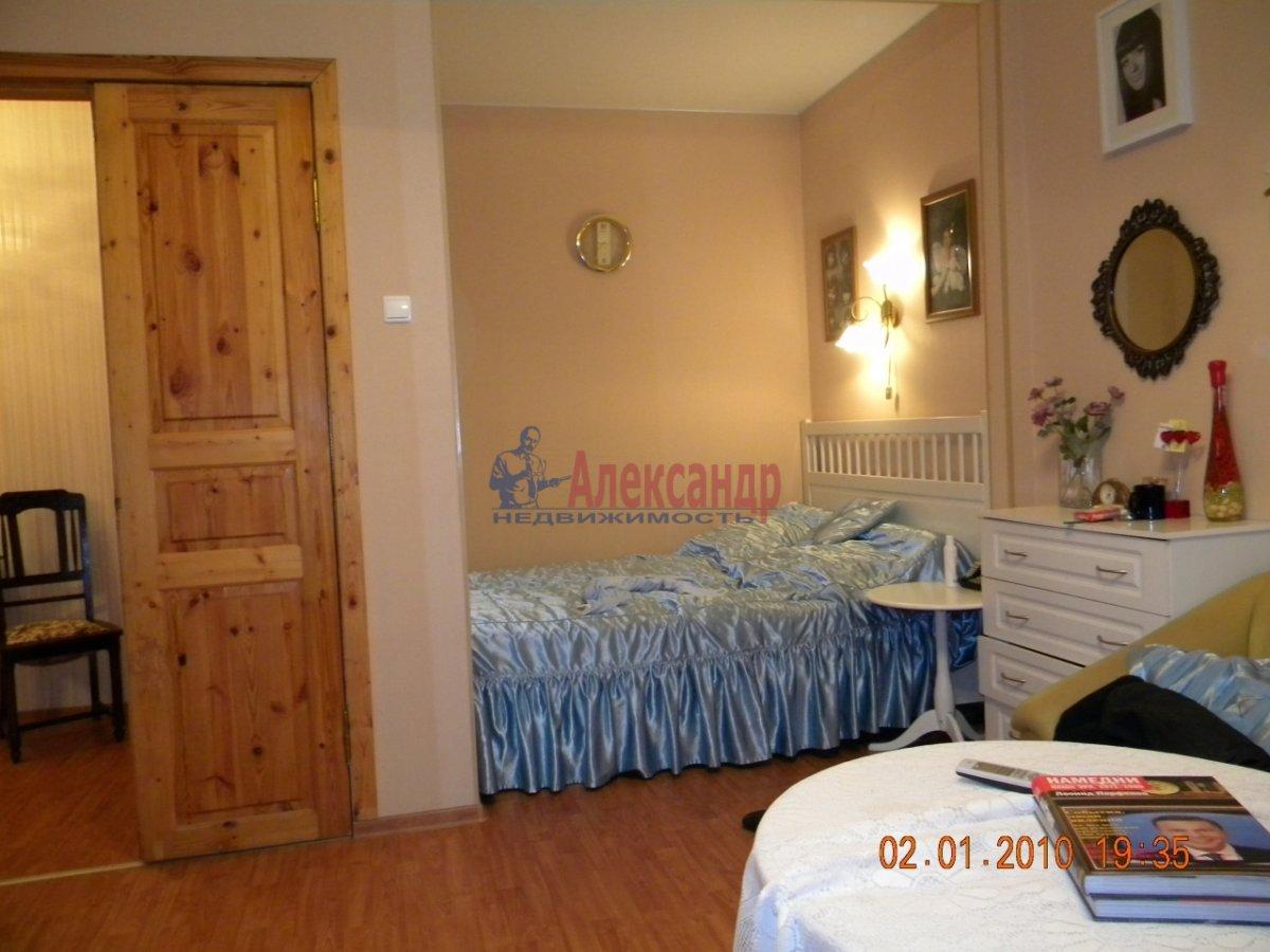 1-комнатная квартира (40м2) в аренду по адресу Комиссара Смирнова ул., 8— фото 4 из 7