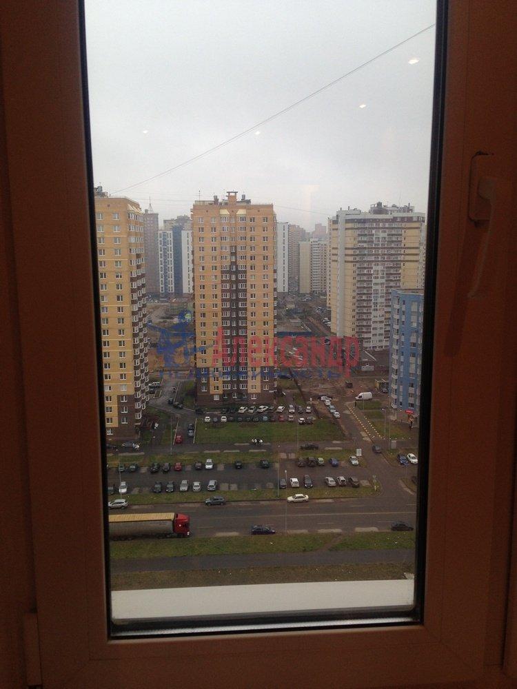 2-комнатная квартира (55м2) в аренду по адресу Доблести ул., 7— фото 3 из 9