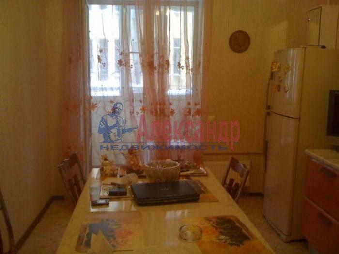 1-комнатная квартира (60м2) в аренду по адресу 10 Советская ул., 4— фото 4 из 9