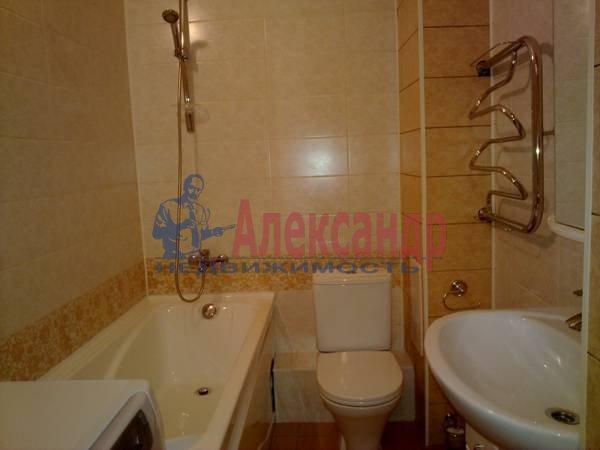 1-комнатная квартира (42м2) в аренду по адресу Комендантский пр.— фото 3 из 5