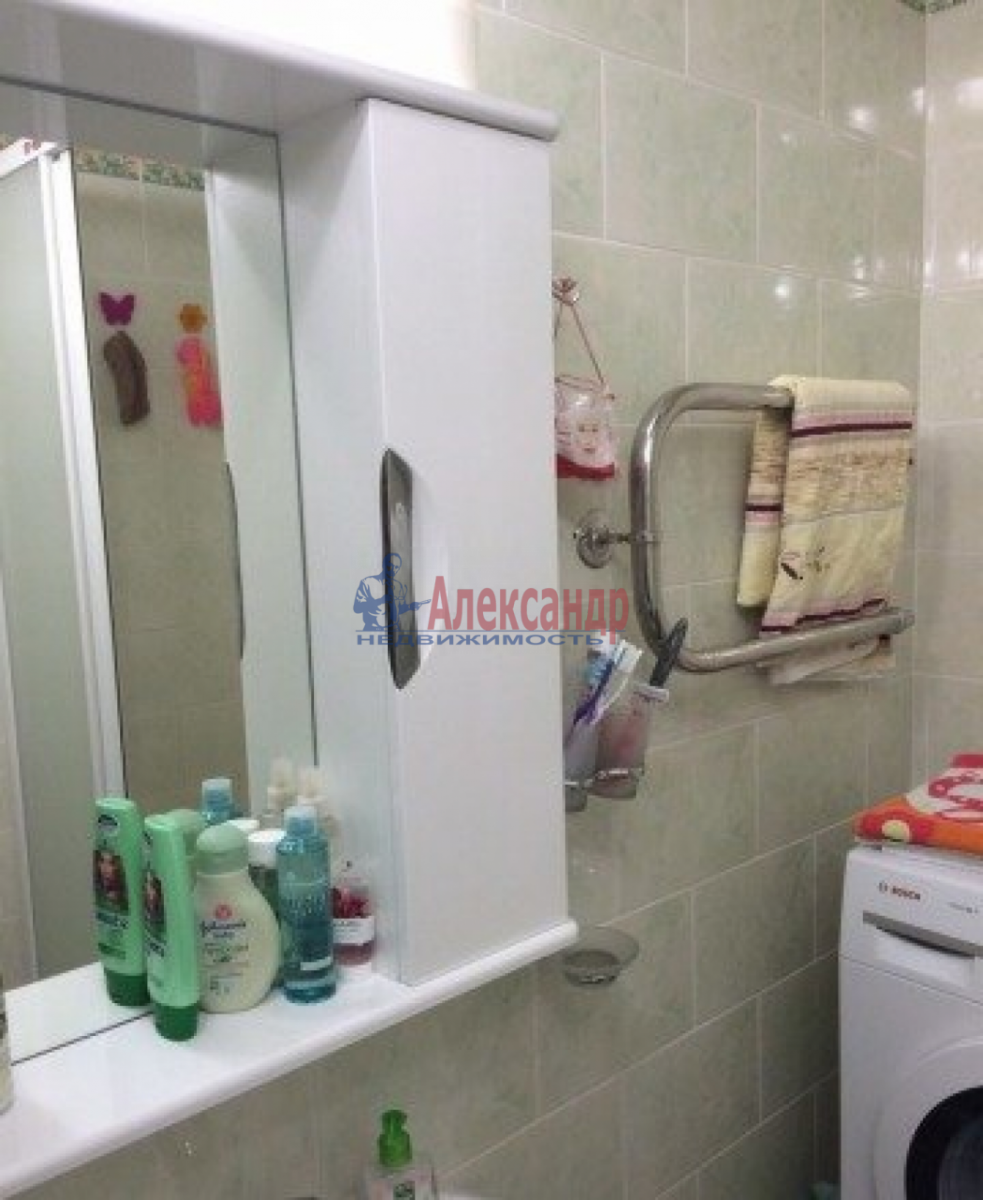 Комната в 2-комнатной квартире (43м2) в аренду по адресу Пулковская ул., 3— фото 4 из 4