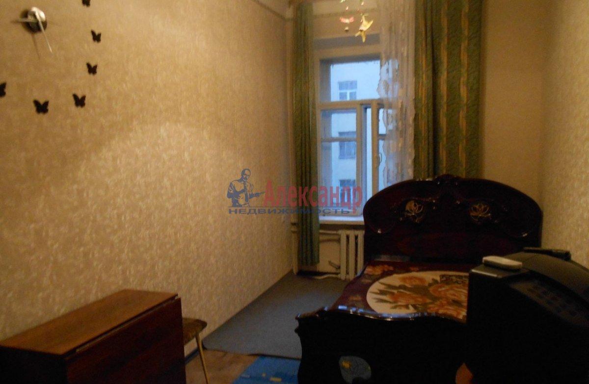 1-комнатная квартира (40м2) в аренду по адресу Петрозаводская ул., 13— фото 1 из 7