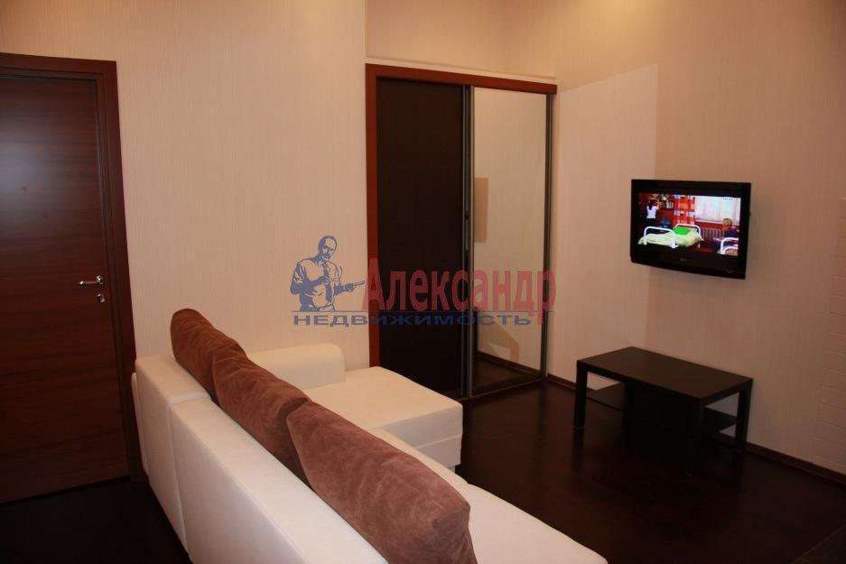 1-комнатная квартира (37м2) в аренду по адресу Дунайский пр., 34— фото 2 из 3