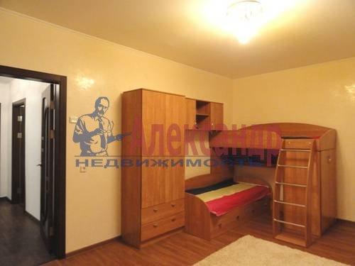 2-комнатная квартира (69м2) в аренду по адресу Коломяжский пр., 28— фото 6 из 9