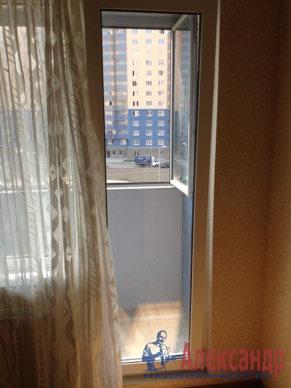 1-комнатная квартира (38м2) в аренду по адресу Юрия Гагарина просп., 14— фото 10 из 10