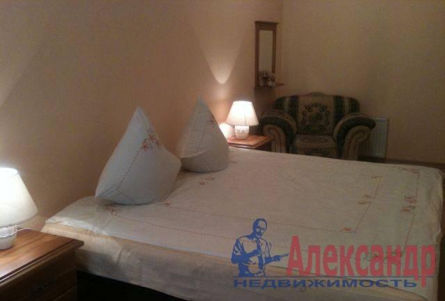 2-комнатная квартира (67м2) в аренду по адресу Ефимова ул., 5— фото 2 из 3