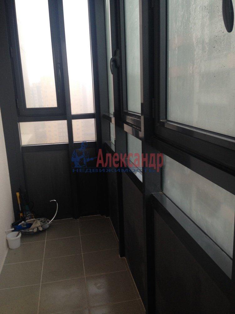 2-комнатная квартира (55м2) в аренду по адресу Доблести ул., 7— фото 4 из 9