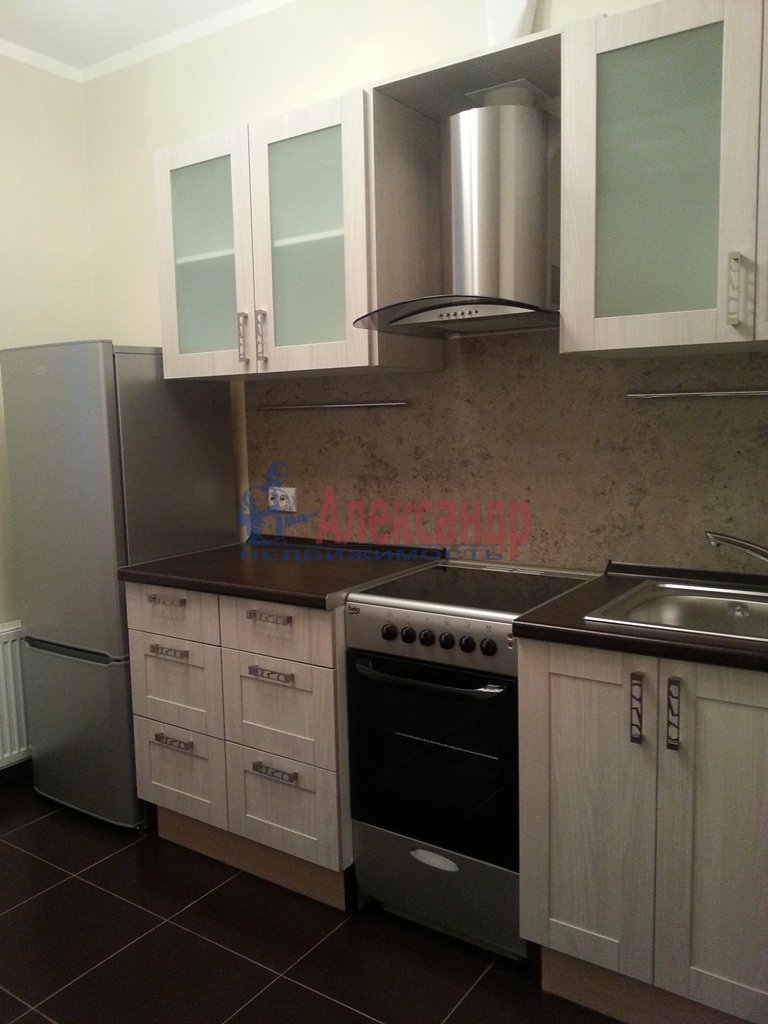 1-комнатная квартира (40м2) в аренду по адресу Кораблестроителей ул., 30— фото 8 из 10