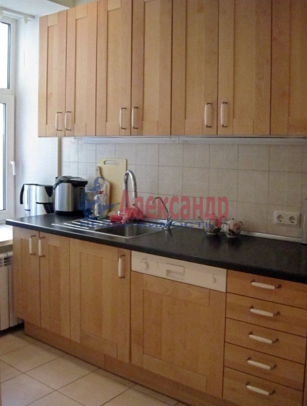 1-комнатная квартира (38м2) в аренду по адресу Красное Село г., Спирина ул., 14— фото 2 из 8