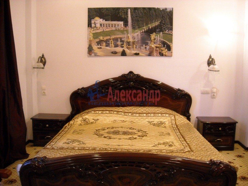 1-комнатная квартира (40м2) в аренду по адресу Петергоф г., Знаменская ул.— фото 1 из 8