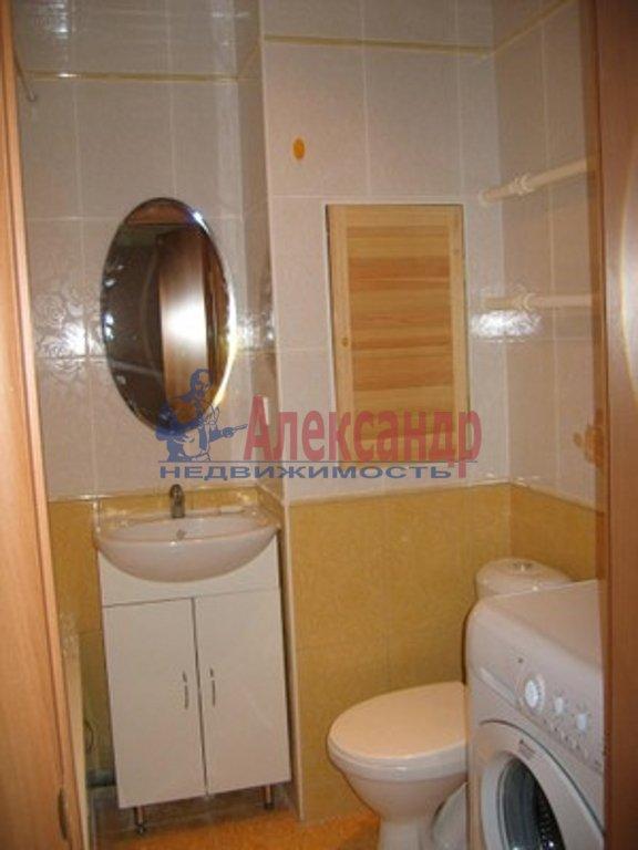 1-комнатная квартира (36м2) в аренду по адресу Дрезденская ул., 15— фото 3 из 3