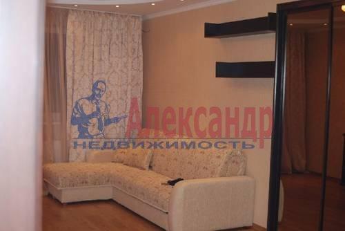 1-комнатная квартира (41м2) в аренду по адресу Комендантский пр., 18— фото 2 из 5
