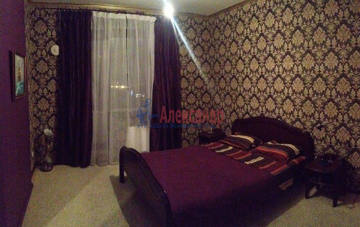 2-комнатная квартира (47м2) в аренду по адресу Кирочная ул., 22— фото 2 из 3