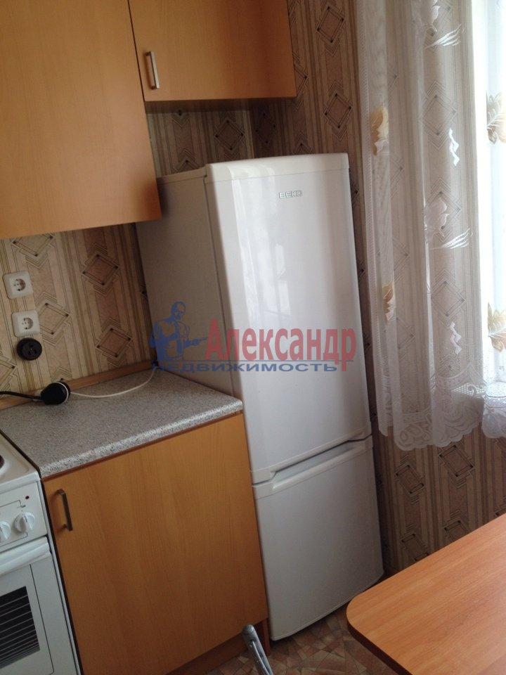 1-комнатная квартира (40м2) в аренду по адресу Яхтенная ул., 22— фото 2 из 10