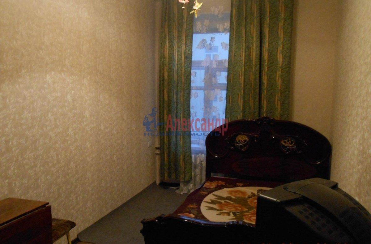 1-комнатная квартира (40м2) в аренду по адресу Петрозаводская ул., 13— фото 2 из 7