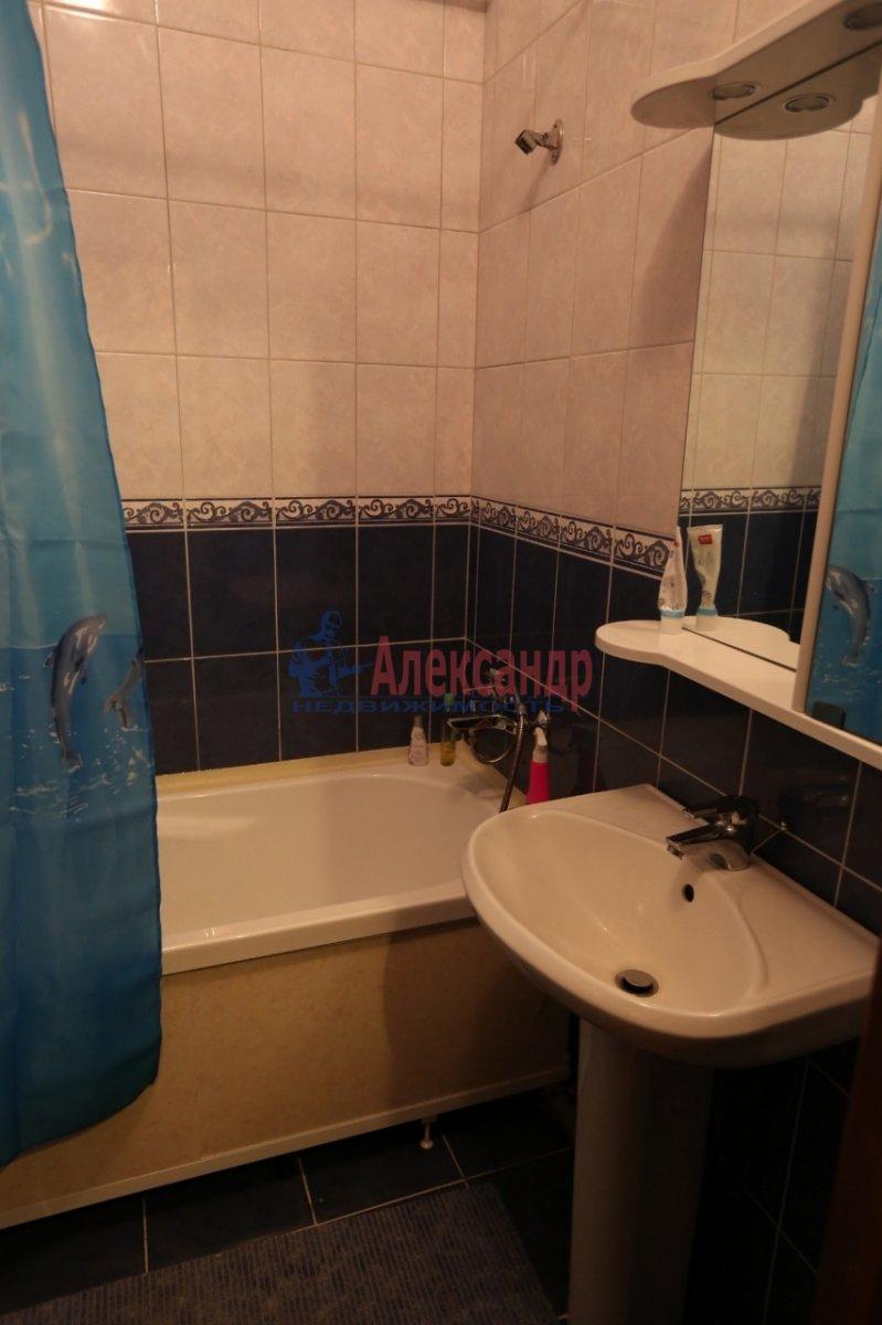 1-комнатная квартира (46м2) в аренду по адресу Галстяна ул., 1— фото 5 из 8
