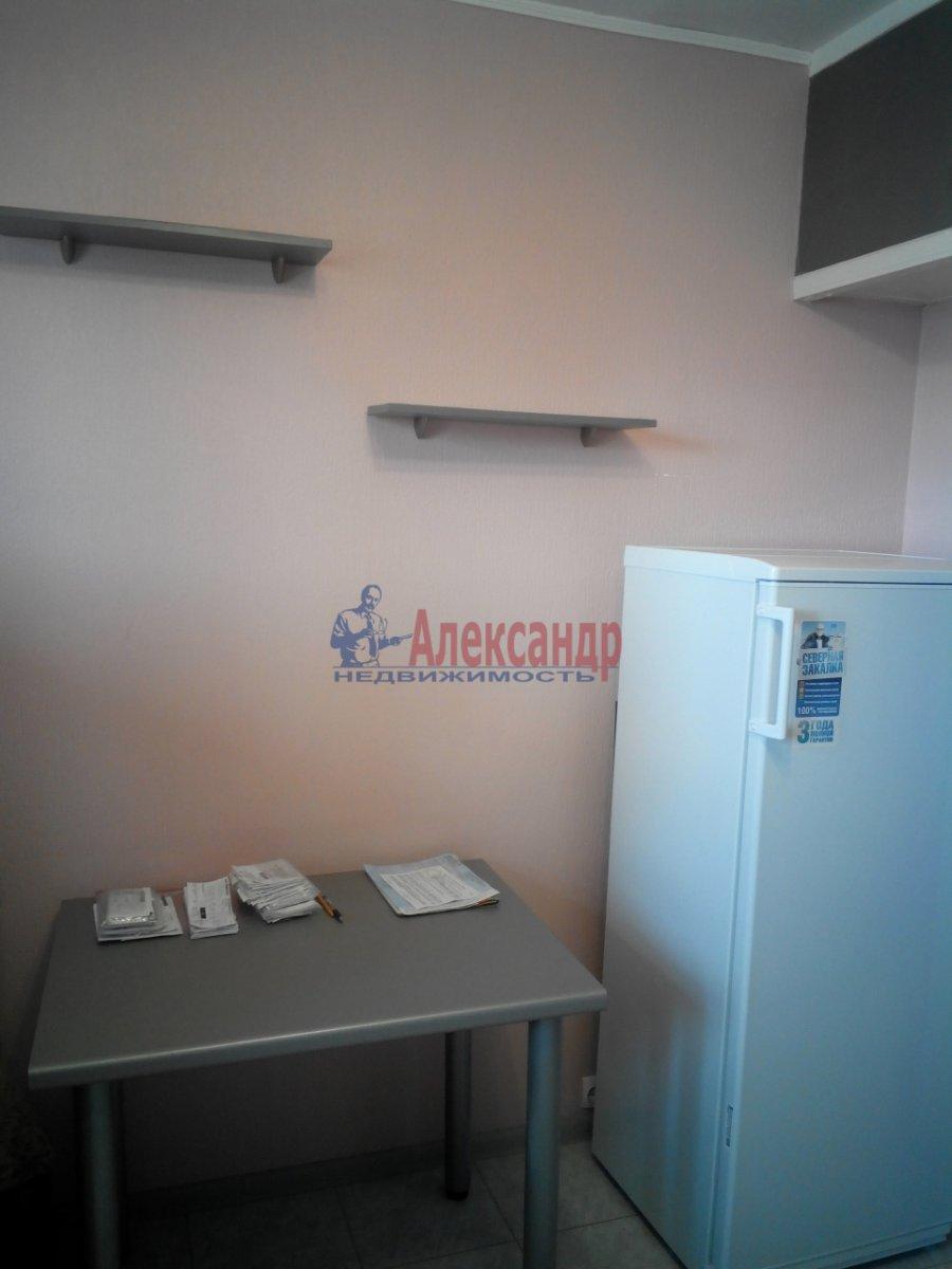 1-комнатная квартира (38м2) в аренду по адресу Лодейнопольская ул., 12— фото 2 из 4