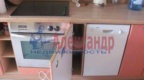 2-комнатная квартира (60м2) в аренду по адресу Ильюшина ул., 1— фото 2 из 10