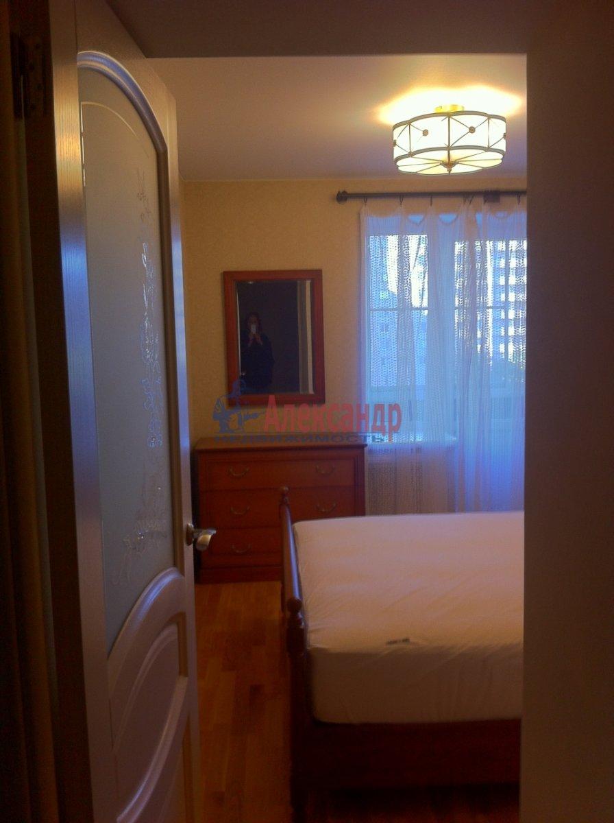 2-комнатная квартира (54м2) в аренду по адресу Новосмоленская наб., 1— фото 4 из 15