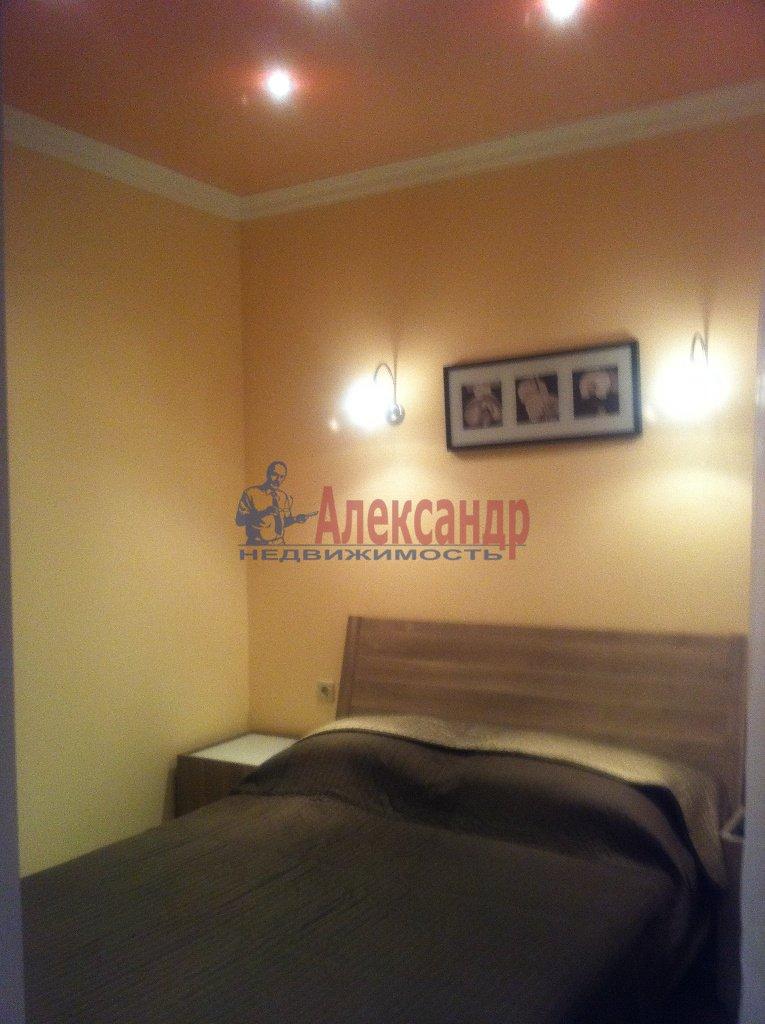 2-комнатная квартира (72м2) в аренду по адресу Просвещения просп., 99— фото 2 из 13