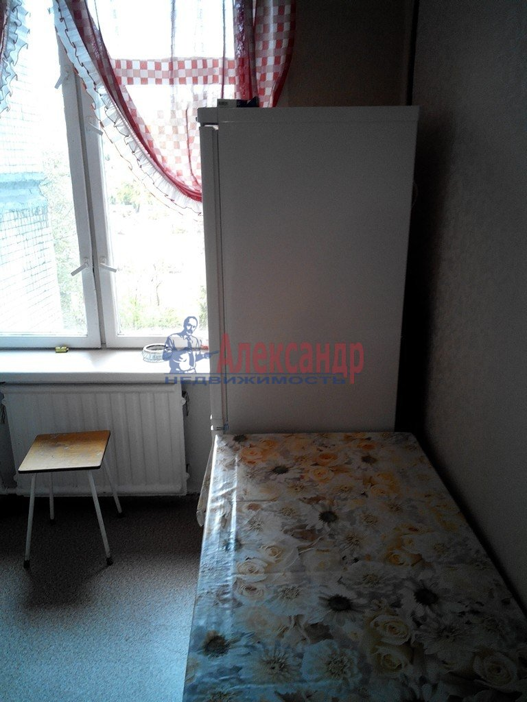 1-комнатная квартира (38м2) в аренду по адресу Петровская наб., 1— фото 1 из 3
