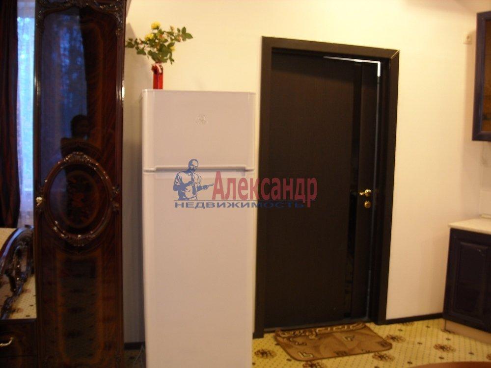 1-комнатная квартира (40м2) в аренду по адресу Петергоф г., Знаменская ул.— фото 5 из 8