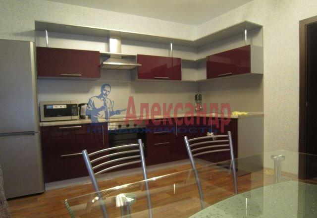 2-комнатная квартира (60м2) в аренду по адресу Ярослава Гашека ул., 24— фото 2 из 5