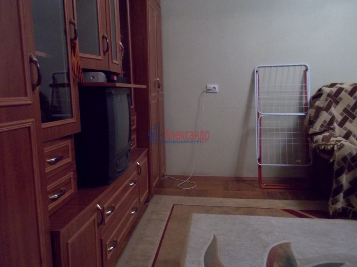 2-комнатная квартира (60м2) в аренду по адресу Науки пр., 4— фото 2 из 7
