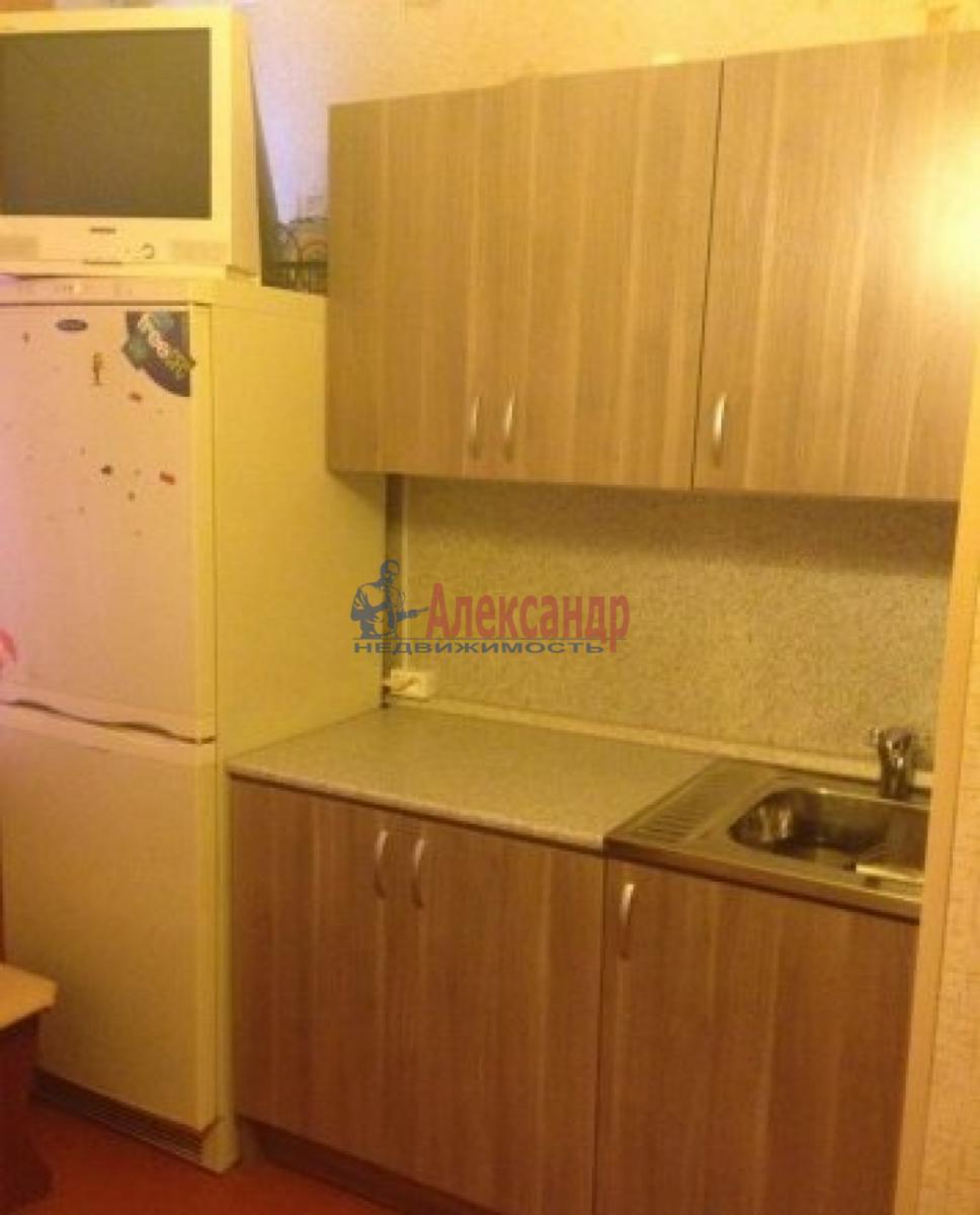 Комната в 3-комнатной квартире (44м2) в аренду по адресу Орджоникидзе ул., 15— фото 2 из 3